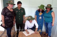 古共青盟代表团跟随古巴革命领袖菲德尔·卡斯特罗的脚印