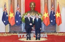 澳大利亚总督彼得·科斯格罗夫圆满结束对越南进行的国事访问