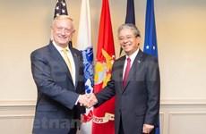 美国国防部长马蒂斯会见越南驻美大使范光荣