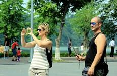 上半年河内市接待国际游客人数可达300万人次以上