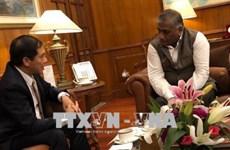 越南外交部副部长裴青山访问新加坡和印度
