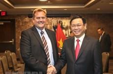 美国企业希望在越南加强经营投资活动