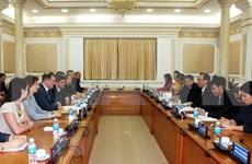 胡志明市与俄罗斯圣彼得堡市加大合作力度