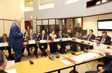 越南政府副总理王廷惠出席在美国举行的2018年越南高级管理领导计划系列活动