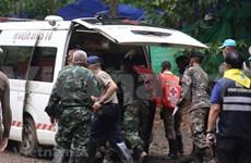 被困在洞穴里的剩余5名泰国少年球员身体状态良好