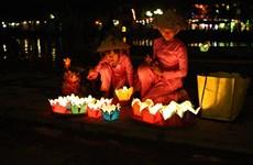 越南文化美中的会安花灯节