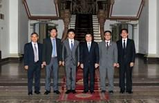 胡志明市领导会见日本外务省副大臣