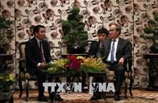 胡志明市市委书记阮善仁会见老越友好协会代表团