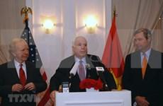 美国驻越南大使馆设麦凯恩吊唁簿