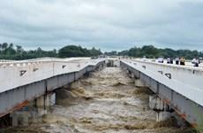 缅甸数万平民因一大坝泄洪道垮塌而被迫离开家园