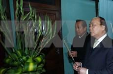 越南政府总理上香缅怀胡志明主席