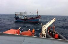 越南成功搜救一名海上遇险的中国船员
