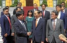 越南国家主席陈大光会见日本每日新闻特别顾问照雄一行