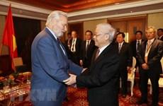 越共中央总书记阮富仲会见匈越友好协会主席博茨·拉斯洛