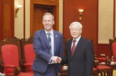 越南领导向英国领导致贺电 庆祝两国建交45周年
