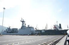 韩国海军舰艇访问岘港市