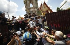 泰国古庙钟楼倒塌致12人伤亡