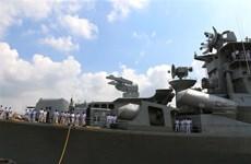 印度海军驱逐舰访问越南