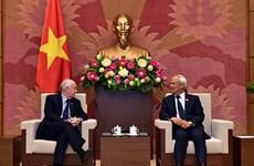 越南国会副主席汪周刘会见英国议会IPU议员小组