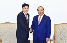 越南政府总理阮春福会见外国投资商