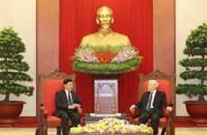 越共中央总书记阮富仲会见老挝政府总理通伦•西苏里