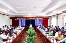 越共中央书记处常务书记陈国旺率团访问老挝万象省