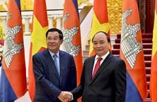 越南政府总理阮春福会见柬埔寨首相洪森