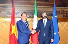 越南政府副总理张和平拜会意大利国家众议院议长罗伯托•菲科