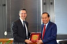 越南政府副总理张和平与意大利最高司法委员会领导举行工作会谈