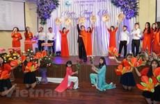 海外越南人举行活动庆祝越南妇女节
