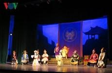 全国专业从剧、发牌唱曲及民间歌剧艺术节有助于弘扬民族传统艺术