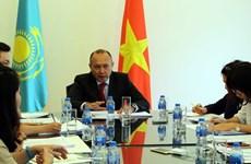 进一步加强越南与哈萨克斯坦之间多方面合作关系