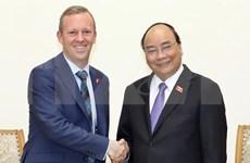 阮春福总理会见英国新任驻越大使加雷思·瓦德