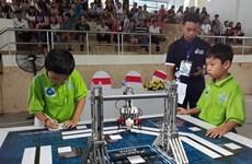 2018年越南全国小学生机器人大赛吸引42支机器人队参赛