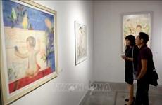 小型雕刻与丝绸画展览会在河内举行