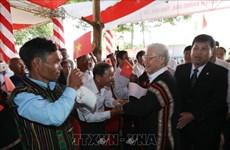 越共中央总书记国家主席阮富仲同得乐省克容阿纳县人民共度民族大团结日