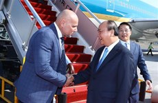 越南政府总理阮春福抵达巴布亚新几内亚  开始出席APEC 26