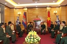 越南与柬埔寨军队执法部门进行业务经验交流