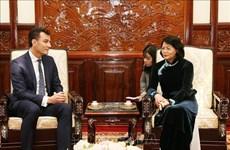 越南国家副主席邓氏玉盛会见宏利金融集团总裁