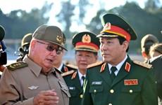 加强越南与古巴两党、两国政府和武装力量的合作