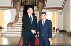 胡志明市人民委员会主席会见中国湖南省省委书记