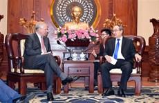 越南胡志明市加强与英国的合作关系