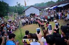 """越南54个民族""""公共屋""""吸引参观人数50万人次"""