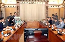 胡志明市与韩国乐天集团合作建设基础设施项目