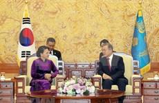 韩国总统与越南国会主席会晤:韩国媒体密集报道