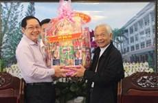 越南内务部代表团圣诞节前走访慰问安江省天主教徒