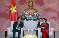 阮氏金银会见缅甸巩固与发展党高级代表团
