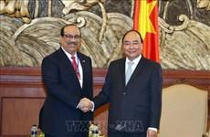 阮春福:越南政府一向鼓励外国投资者前来投资