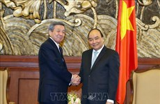 阮春福会见日本自由民主党代理秘书长林干雄