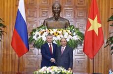 越南政府总理阮春福会见俄罗斯联邦国家杜马主席